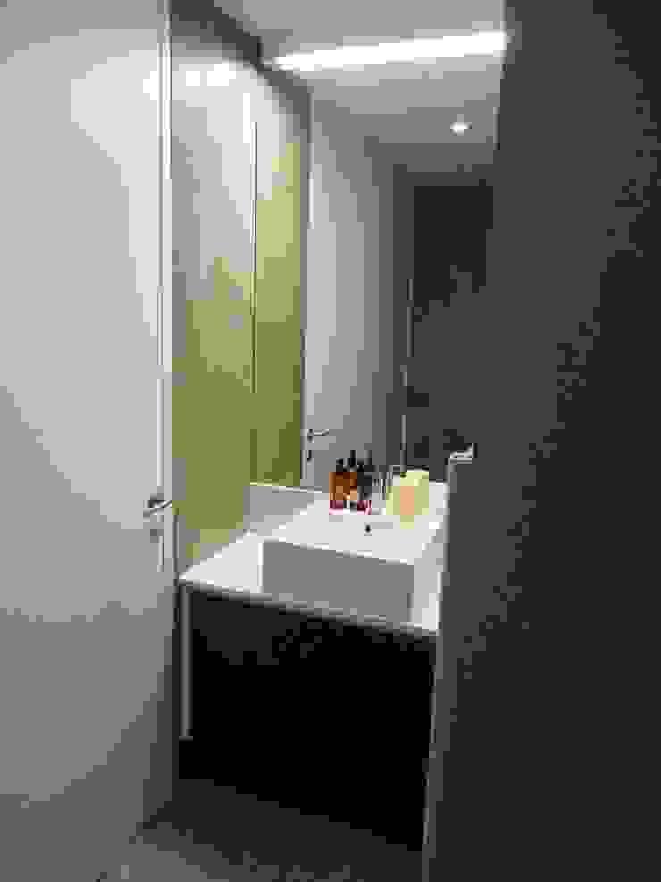 House in Castle Street | Vila Nova de Gaia | Portugal Casas de banho modernas por Bastos & Cabral - Arquitectos, Lda. | 2B&C Moderno