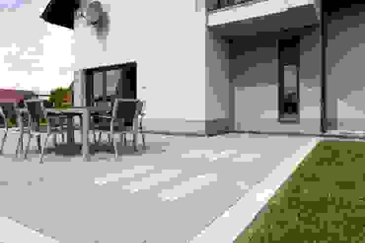 Modern Line Modern balcony, veranda & terrace