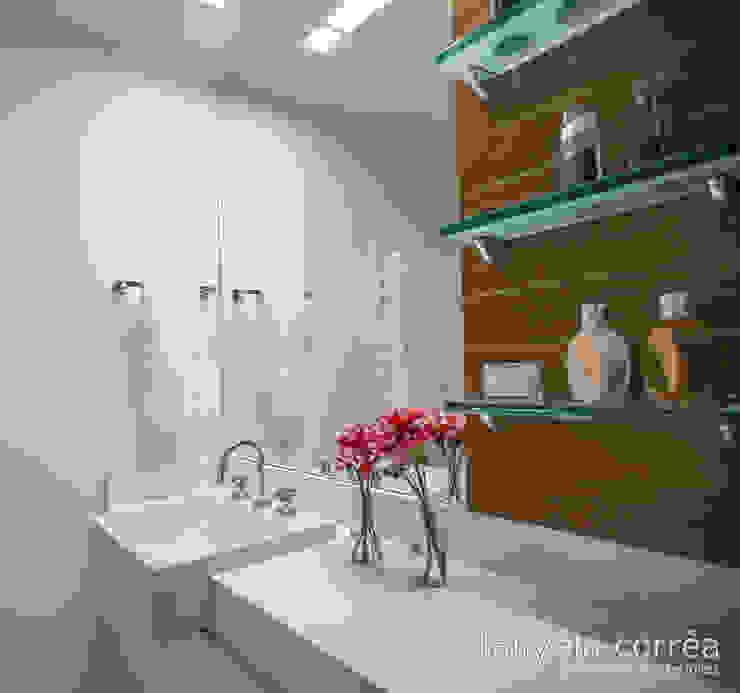 Casas Banheiros modernos por Danyela Corrêa Moderno