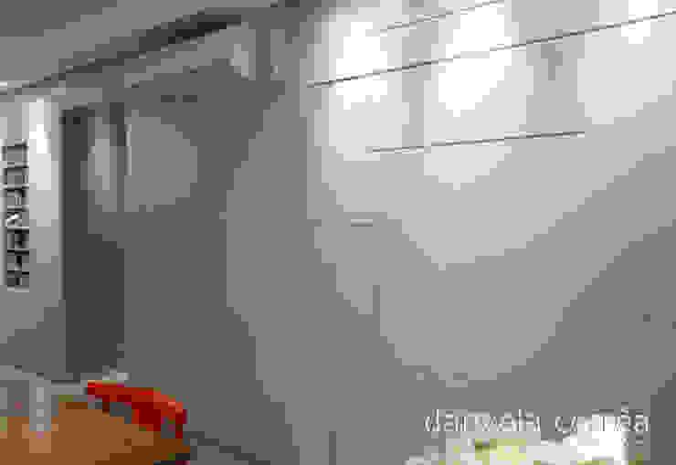 Casas Closets por Danyela Corrêa Moderno