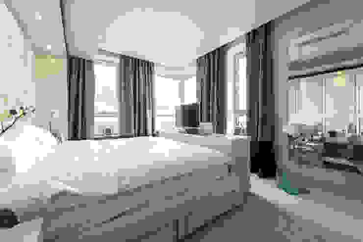 Modern style bedroom by Ольга Райская Modern MDF