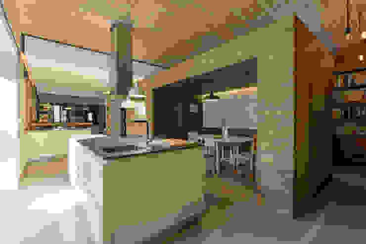 Cocinas de estilo moderno de Ricardo Moreno Arquitectos Moderno