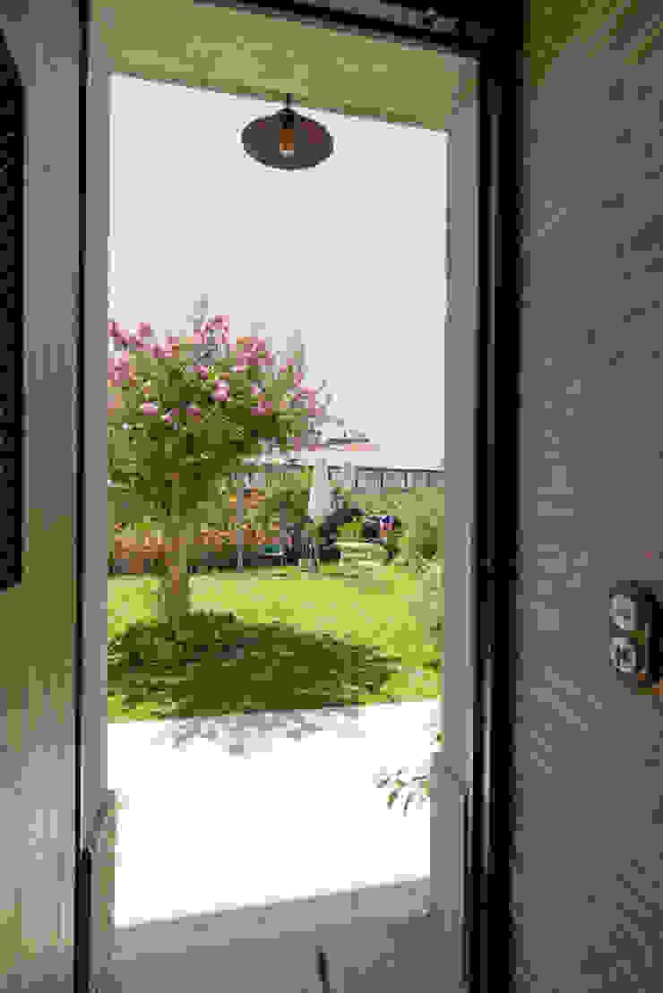 Casa em S. Pedro do Estoril Jardins modernos por Ricardo Moreno Arquitectos Moderno