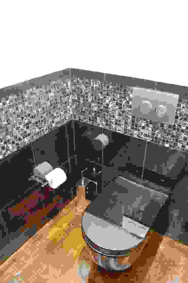 MORADIA RIBEIRINHA Casas de banho ecléticas por Critério Arquitectos by Canteiro de Sousa Eclético