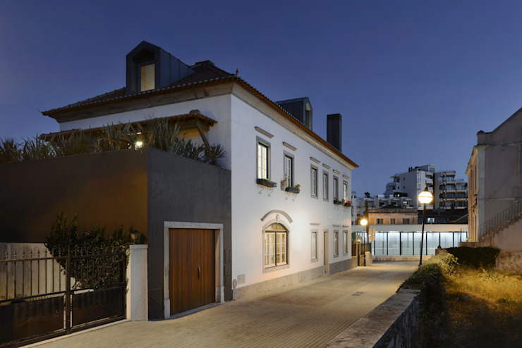 Modern houses by Ricardo Moreno Arquitectos Modern