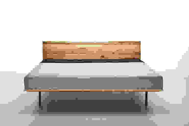 MAZZIVO bed MODO - solid ash wood od mazzivo konzept + gestaltung przemysław mitręga Nowoczesny Drewno O efekcie drewna