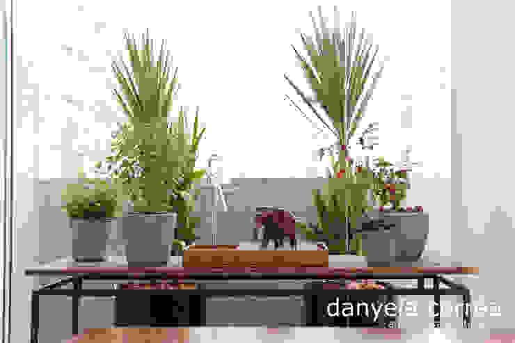 Classic style gardens by Danyela Corrêa Classic
