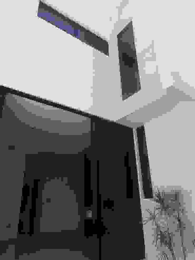 Fachada Posterior Casas modernas de CONSTRUCTORA ARQOCE Moderno