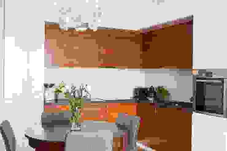 Cocinas de estilo moderno de MGN Pracownia Architektoniczna Moderno