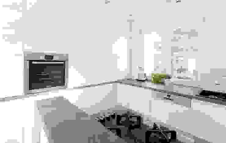 Realizacja 10 Nowoczesna kuchnia od MGN Pracownia Architektoniczna Nowoczesny