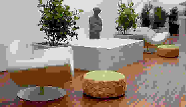 homify Jardines de invierno de estilo minimalista Mármol Blanco