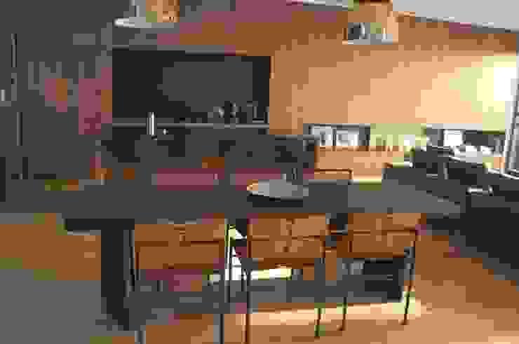Maison - Parc bordelais AGENCE-COULEUR Salle à manger moderne