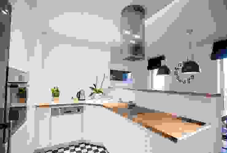 Realizacja 6: styl , w kategorii Kuchnia zaprojektowany przez MGN Pracownia Architektoniczna,Nowoczesny