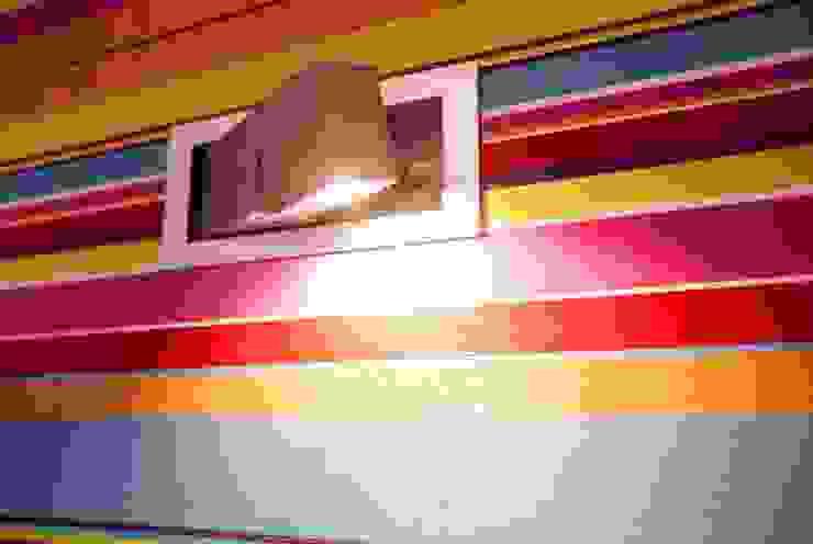 Murs de style  par MGN Pracownia Architektoniczna, Moderne