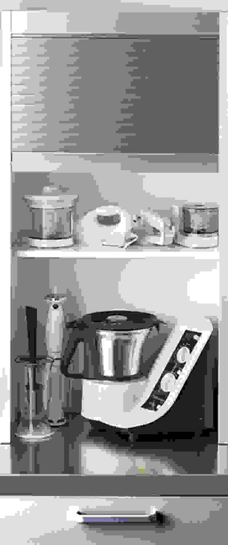 DEULONDER arquitectura domestica Kitchen Metallic/Silver