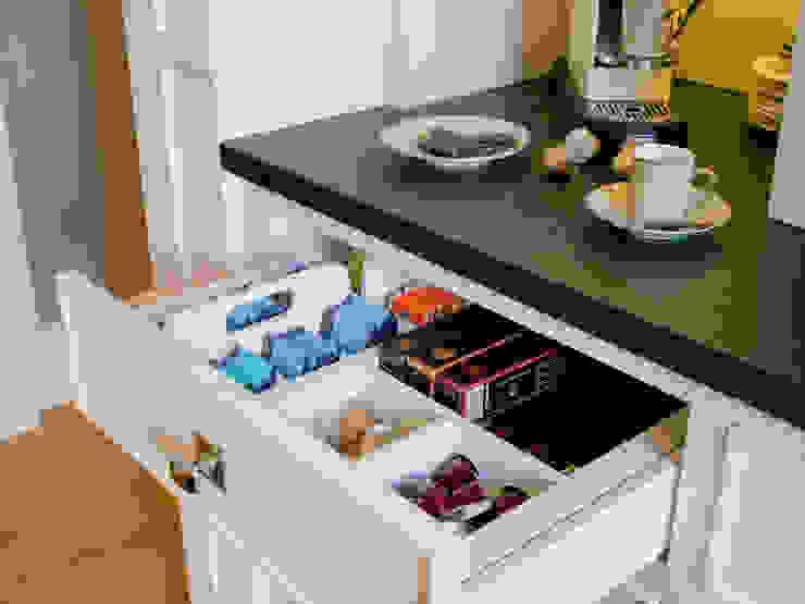Tés y càpsulas de café, en orden: Cocinas de estilo  de DEULONDER arquitectura domestica,