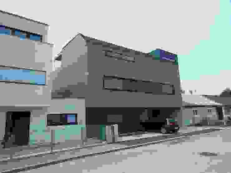 Ansicht Nord Moderne Häuser von Hergan Architektur Modern