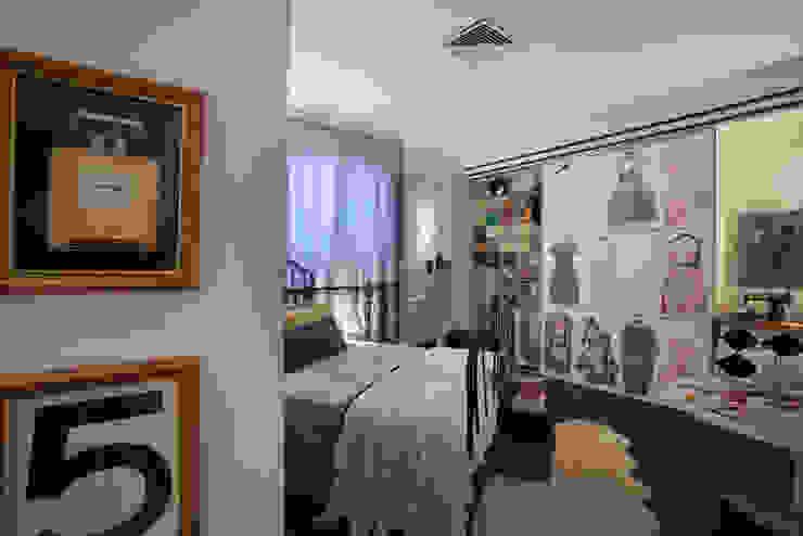 Suíte da estudante de moda Quartos ecléticos por Kátia el badouy Arquitetura & Interiores Eclético