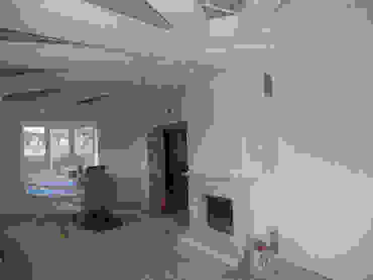 гостиная во время ремонта от JULIA KABANOVA's DESIGN STUDIO