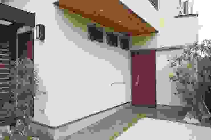 茨木の家 モダンな 家 の 株式会社 atelier waon モダン
