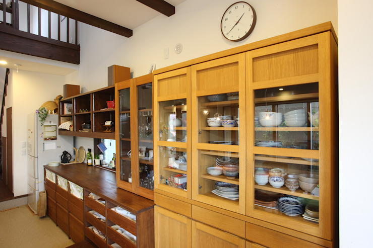 茨木の家 モダンな キッチン の 株式会社 atelier waon モダン