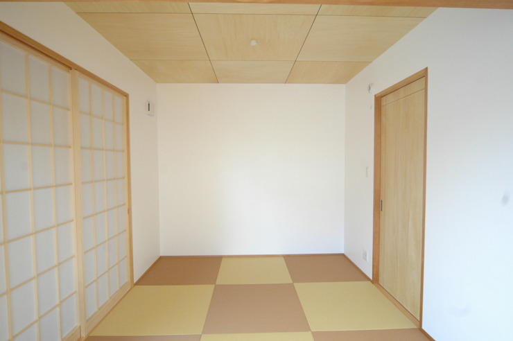 Modern Living Room by 合同会社 栗原弘建築設計事務所 Modern