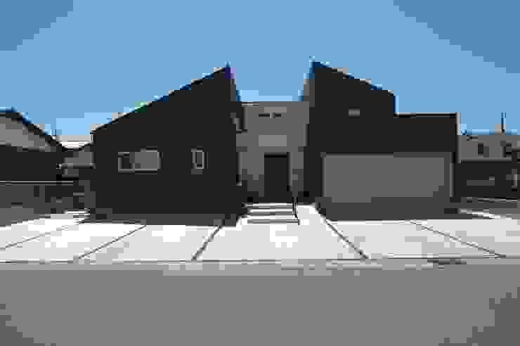 合同会社 栗原弘建築設計事務所 Casas modernas