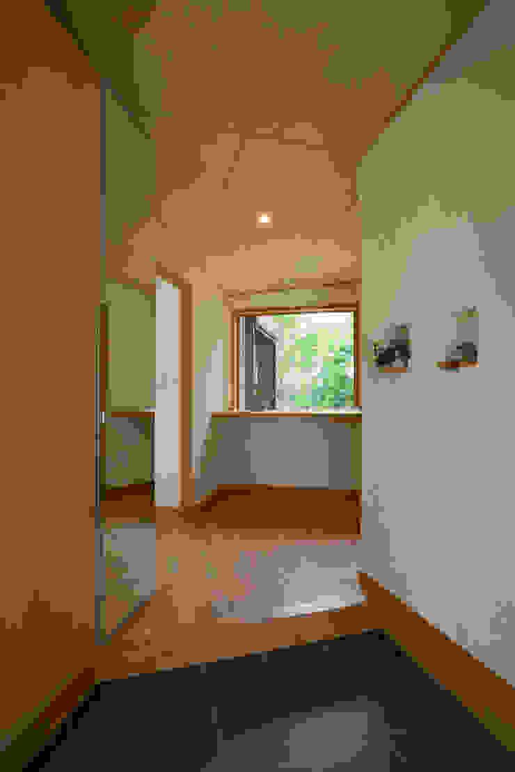 五條の家 モダンスタイルの 玄関&廊下&階段 の 株式会社 atelier waon モダン