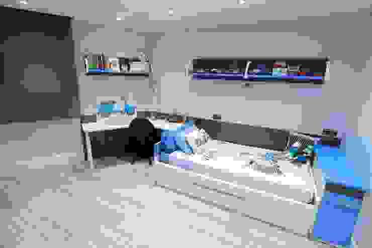 Dormitorio juvenil Dormitorios de estilo moderno de construcciones y reformas Viguera Moderno