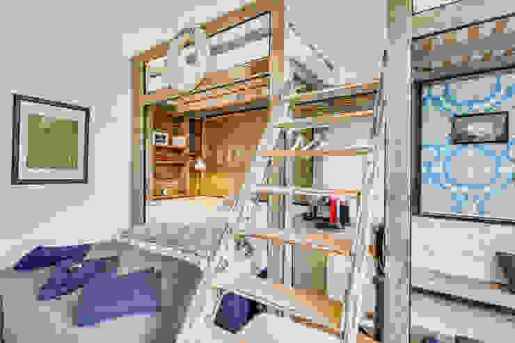 Jugendstil Wohnung/ Endetage/ Harvestehude/ Hamburg/ Gästezimmer Moderne Schlafzimmer von homify Modern