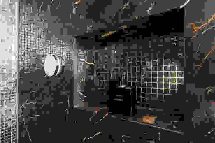 Douche nis Moderne badkamers van Medie Interieurarchitectuur Modern Marmer