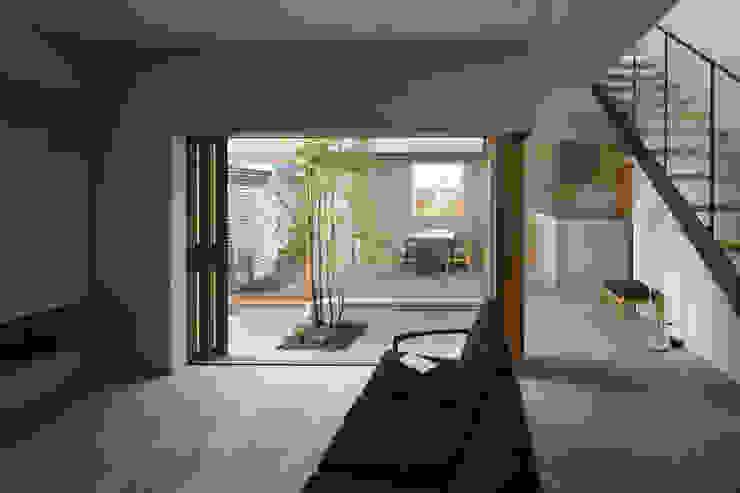 梅沢町の家 モダンデザインの リビング の 深山知子一級建築士事務所・アトリエレトノ モダン