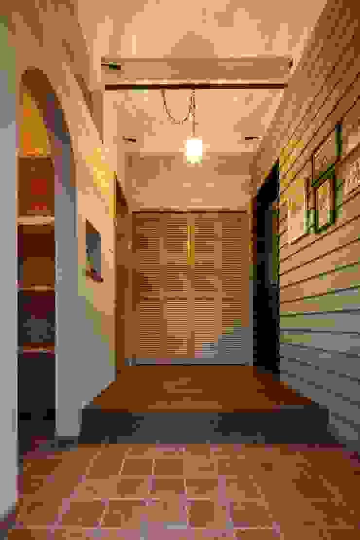 I's HOUSE クラシカルスタイルの 玄関&廊下&階段 の dwarf クラシック