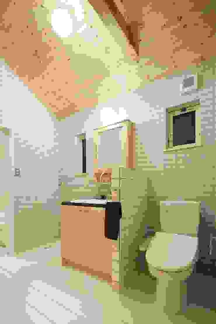 M's HOUSE 北欧スタイルの お風呂・バスルーム の dwarf 北欧