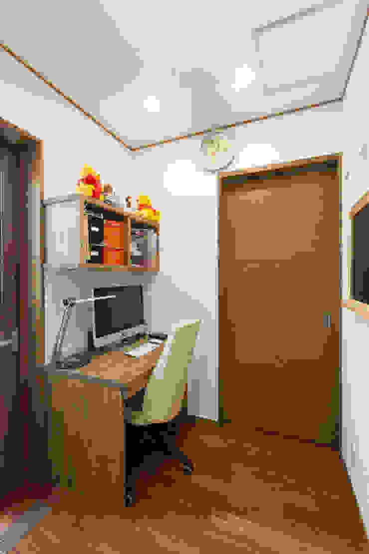 谷上の家 モダンデザインの 書斎 の 株式会社 atelier waon モダン