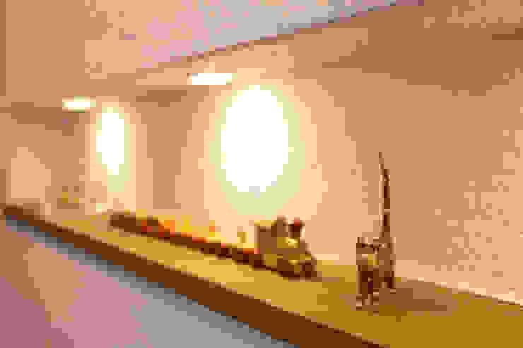 谷上の家 モダンな 壁&床 の 株式会社 atelier waon モダン