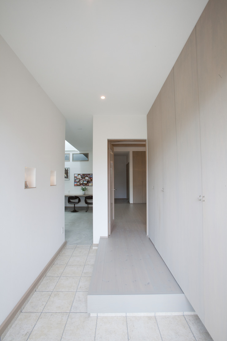 北小松の家 モダンスタイルの 玄関&廊下&階段 の 株式会社 atelier waon モダン