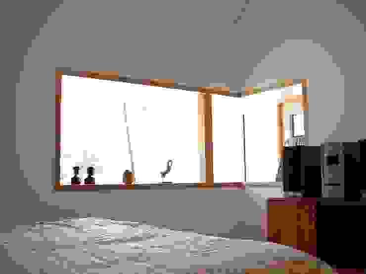 경기도 양평 5호 : 팀버하우스의  침실,모던