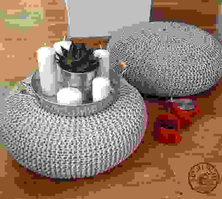 """Poduchy, siedziska , pufy """"  Lotos"""": styl , w kategorii  zaprojektowany przez KNITTING FACTORY,Skandynawski Bawełna Czerwony"""