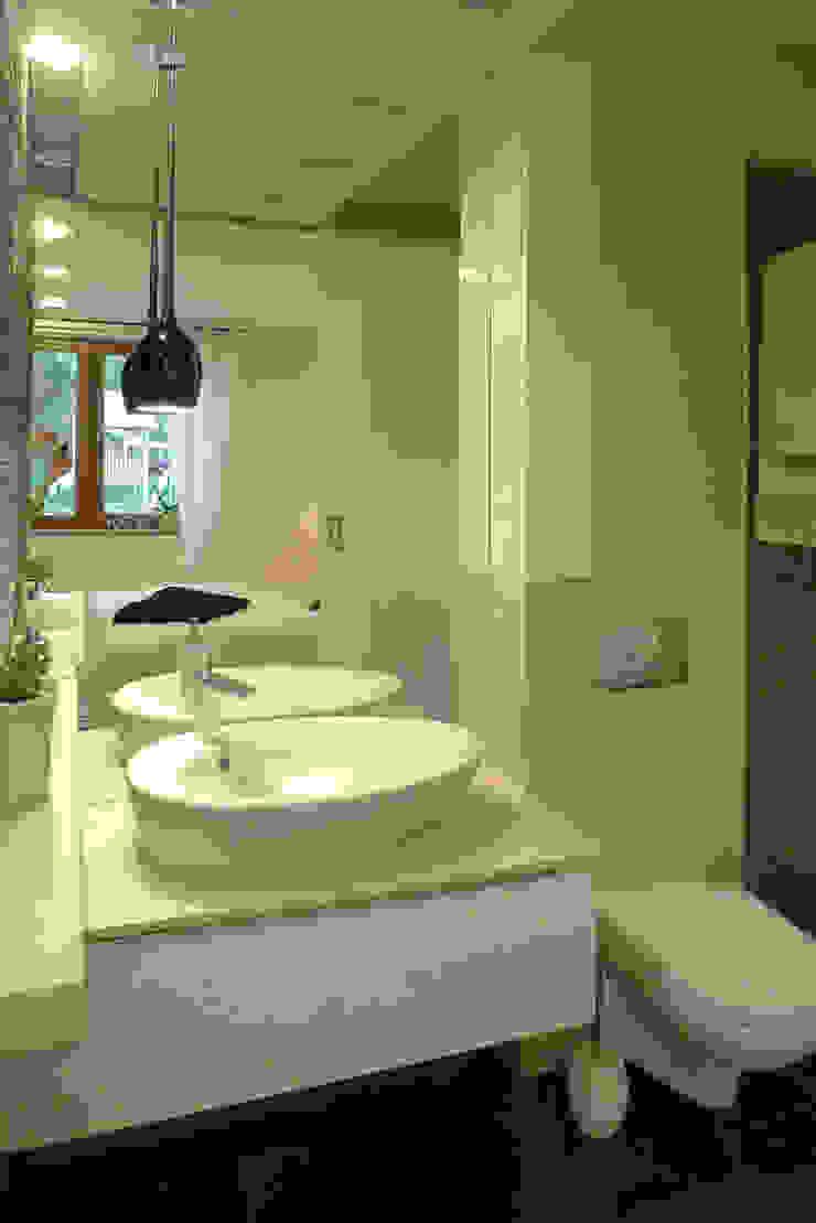 sypialnia z łazienką Nowoczesna łazienka od Archomega Nowoczesny
