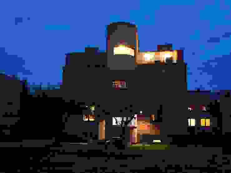 Casas modernas de pracownia architektoniczno-konserwatorska festgrupa Moderno