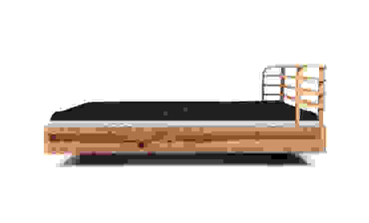 MAZZIVO bed BOW - solid alder wood od mazzivo konzept + gestaltung przemysław mitręga Nowoczesny Drewno O efekcie drewna