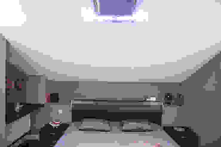Таунхаус <q>Лесные поляны</q> Спальня в эклектичном стиле от Designer Olga Aysina Эклектичный