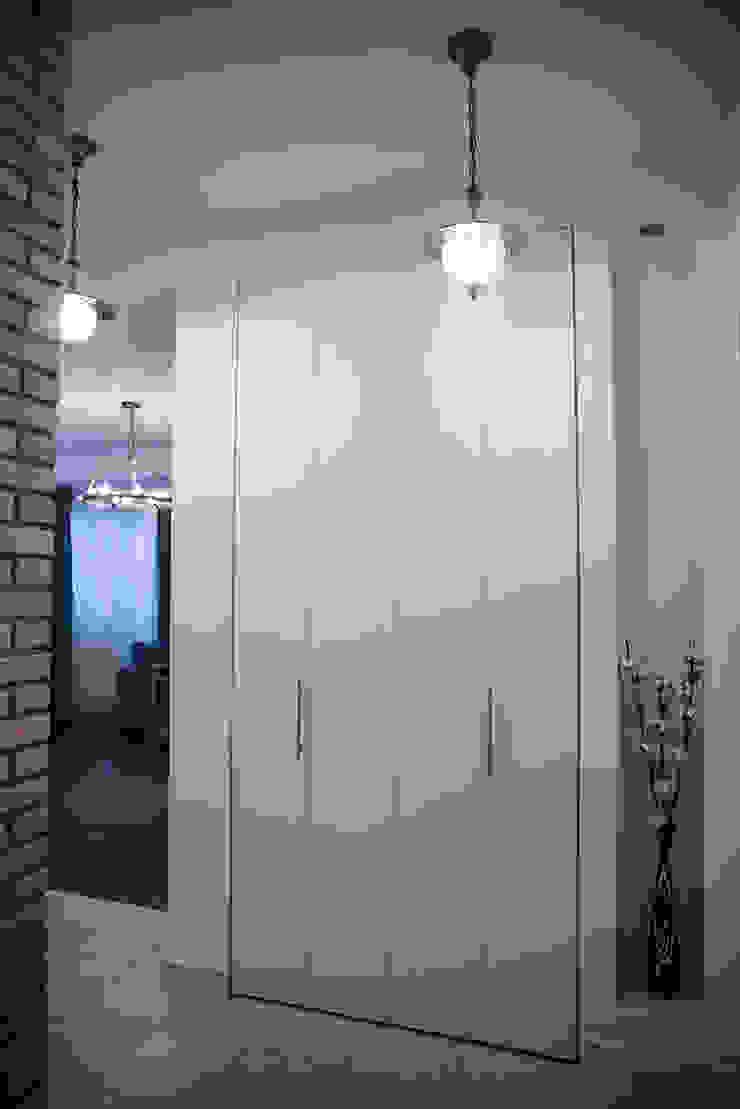 Дизайнер Ольга Айсина Eclectic style corridor, hallway & stairs