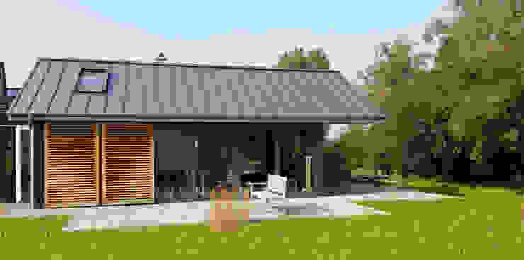 Zijgevel Moderne huizen van TS architecten BV Modern Aluminium / Zink