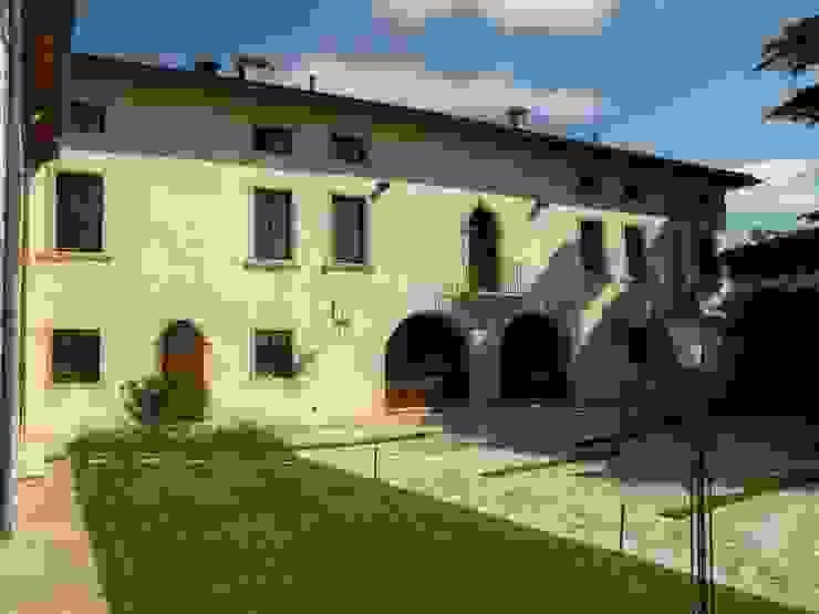 CORTE RAVIGNANI GUARIENTI Casa rurale di Studio Feiffer & Raimondi Rurale