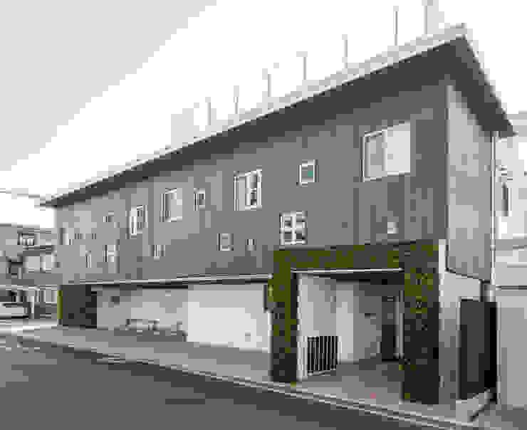 堺の保育園 モダンな 家 の フィールド建築設計舎 モダン 木 木目調