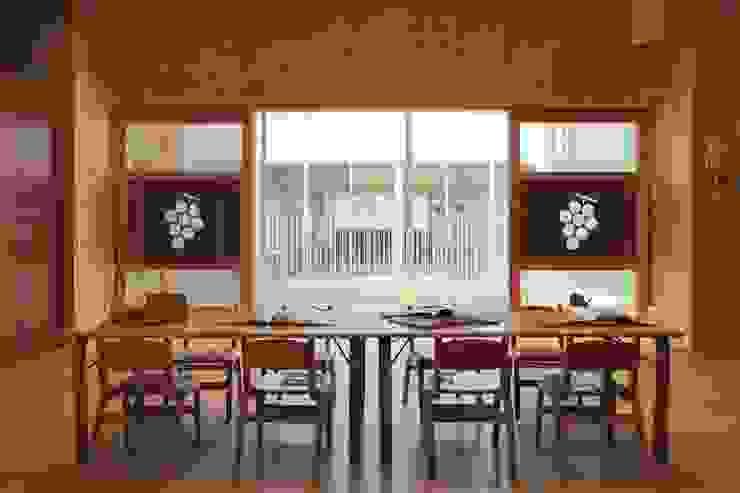 保育室 モダンな 壁&床 の フィールド建築設計舎 モダン 木 木目調