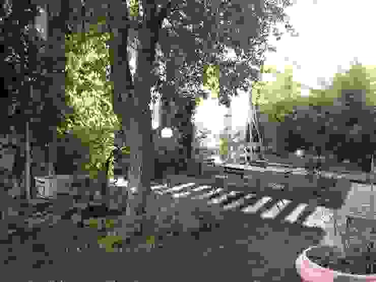 Jardines de estilo  por Studiopp8,