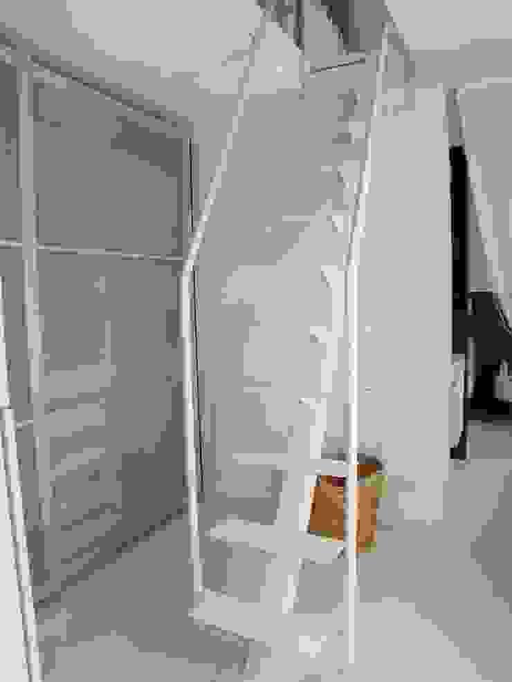 scale Luisa Olgiati Ingresso, Corridoio & Scale in stile moderno